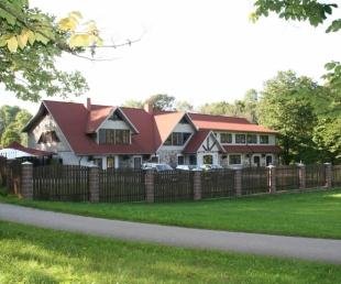 Bruzis Park Hotel