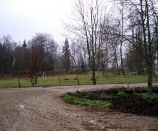 Laizānu parks un Liepu pamatskola