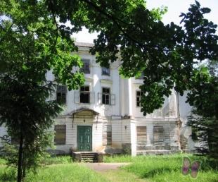 Grāfu Plāteru bibliotēkas ēka