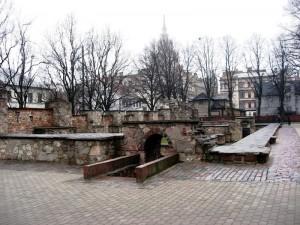 Ebreju nodedzinata sinagoga - pieminas vieta...