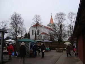 Viena_no_ Latvijas_mazpilsetam_Saldus