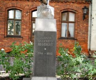 Johana Gotfrīda Herdera piemineklis