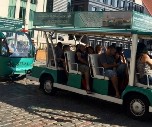 Riga tourist Electrobus- Old city excurssion