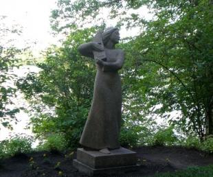 """Skulptūra """"Daina"""""""
