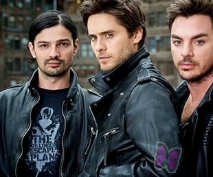 """Rīgā uzstāsies ietekmīgā amerikāņu rokgrupa """"Thirty Seconds to Mars""""(ARHĪVS)"""