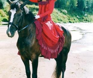 """Zirgu un dabas izrāde """"Kumeļu rotaļas""""(ARHĪVS)"""