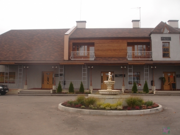 Raganu ligzda  Restourant, Hotel
