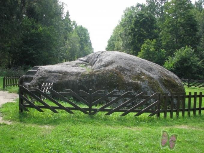 Nīcgales lielais akmens