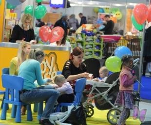 """""""Bērnu pasaule 2011"""" – izklaide bērniem, noderīga informācija un izdevīgi pirkumi vecākiem(ARHĪVS)"""