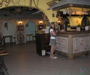 Авени (Aveni) Kафе, гостевой дом