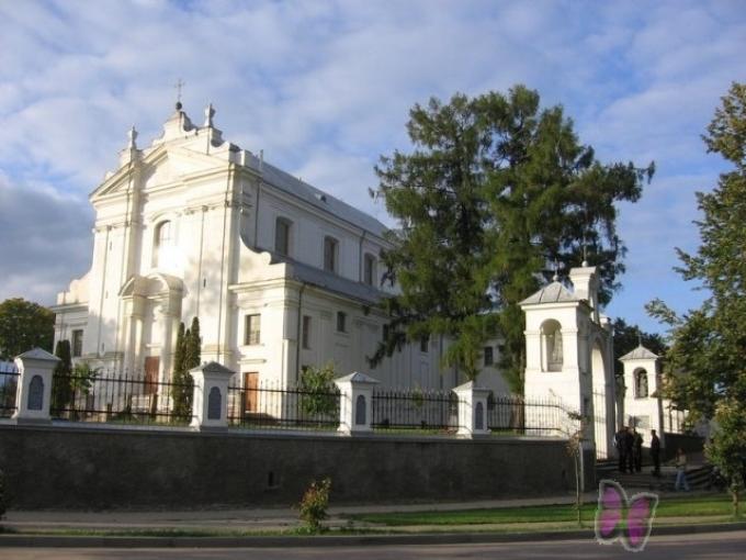 Krāslavas Sv. Ludvika Romas katoļu baznīca