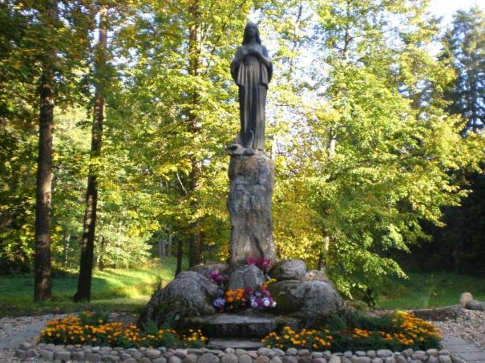 Svētās Marijas statuja
