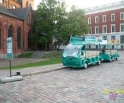 Rīgas tūrists Elektrobusiņš- ekskursija pa Vecrīgu