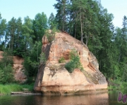 Straujo ūdeņu sezona pie Zvārtes ieža(ARHĪVS)